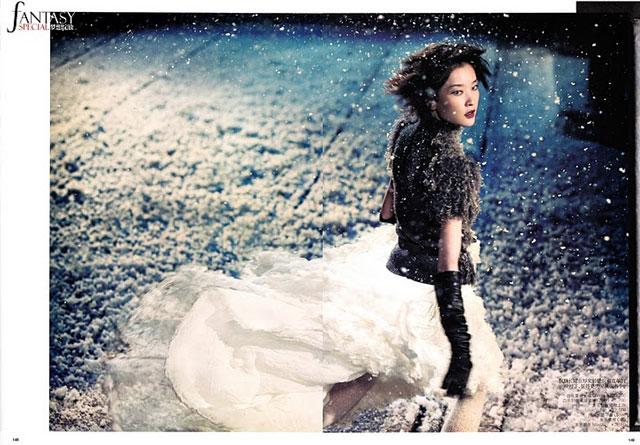 Du Juan - Vogue China December 2010 - 8