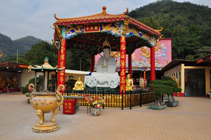 Монастырь Десяти тысяч Будд, Квун Ям