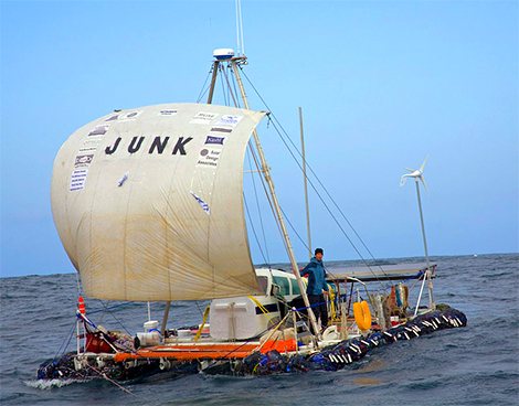 trash boat, trash boat taiwan, лодка из мусора, лодка из мусора тайвань