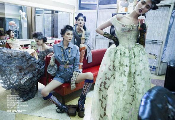 Bonnie Chen, Ge Qi, Emma Xie, Lina Zhang, Zhang Xue, Harper's Bazaar China, китайские модели, китайские глянцевые журналы, новогодние фотосессии, китайские фотосессии