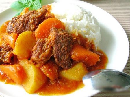 Тушеный картофель с мясом, 土豆烧牛肉
