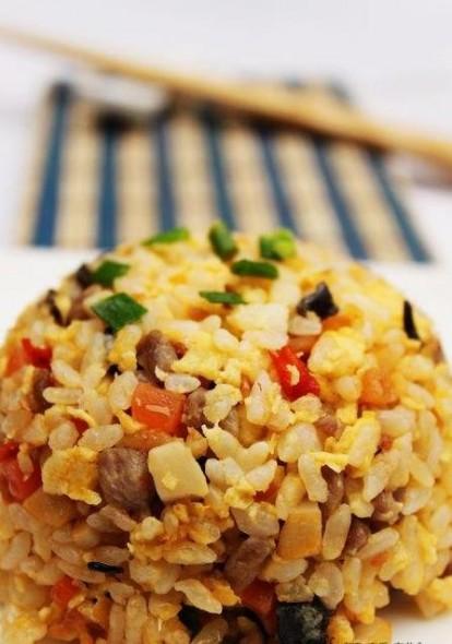 Цветной рис, 五彩蛋炒饭