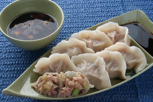 Китайские пельмени с мясом и капустой