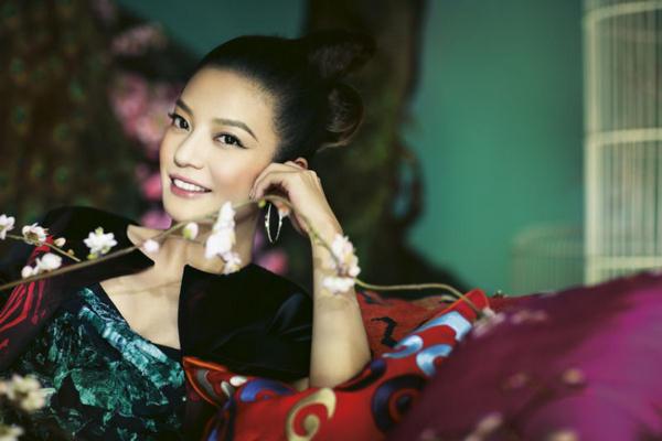 Zhao-Wei-Harpers-Bazaar-5